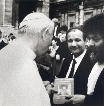 Marek Halter con Papa Giovanni Paolo II